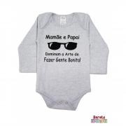 Body Bebê ML (P/M/G) -  Mamãe e Papai Dominam a Arte de Fazer Gente Bonita - Barato Bebê - Mescla