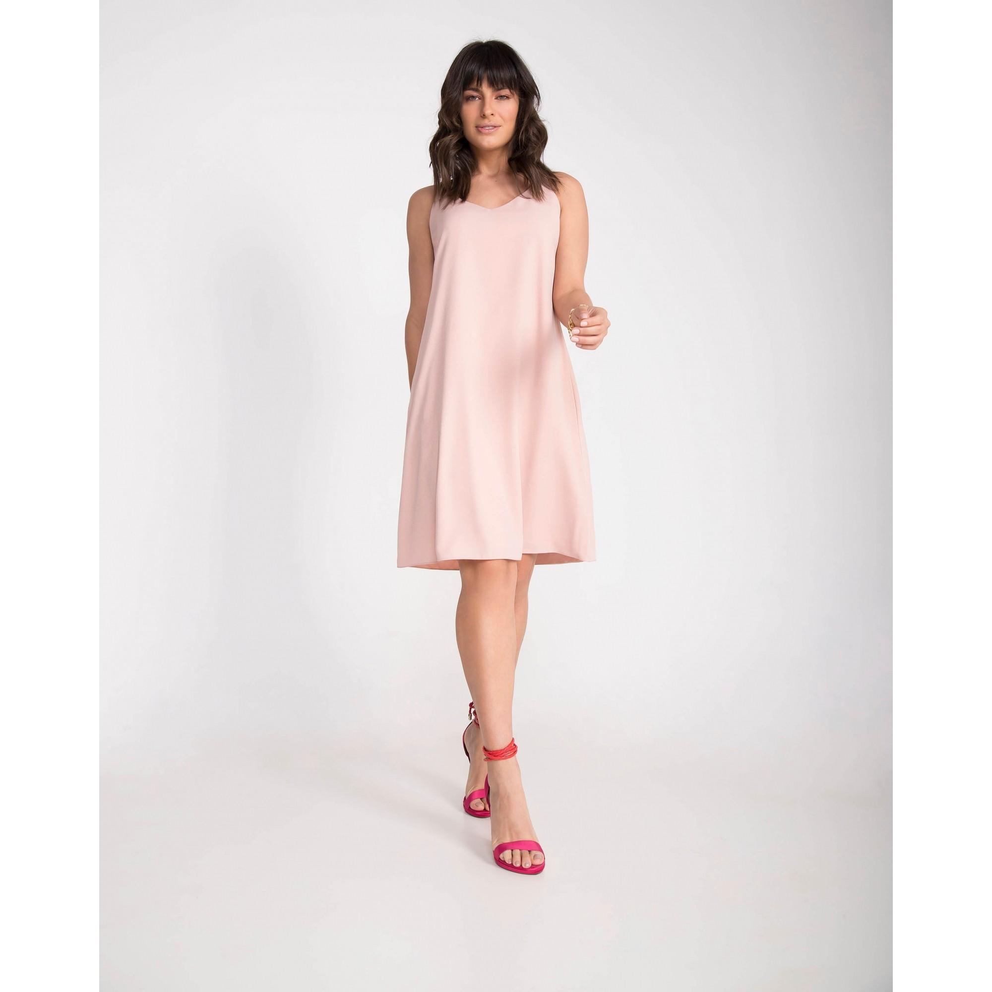Vestido curto crepe c/ argolas
