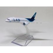 Miniatura Boeing 787 - LAN