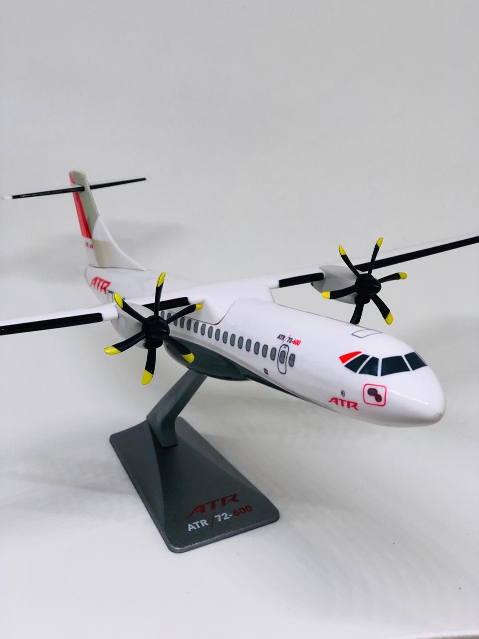 Miniatura ATR 72-600