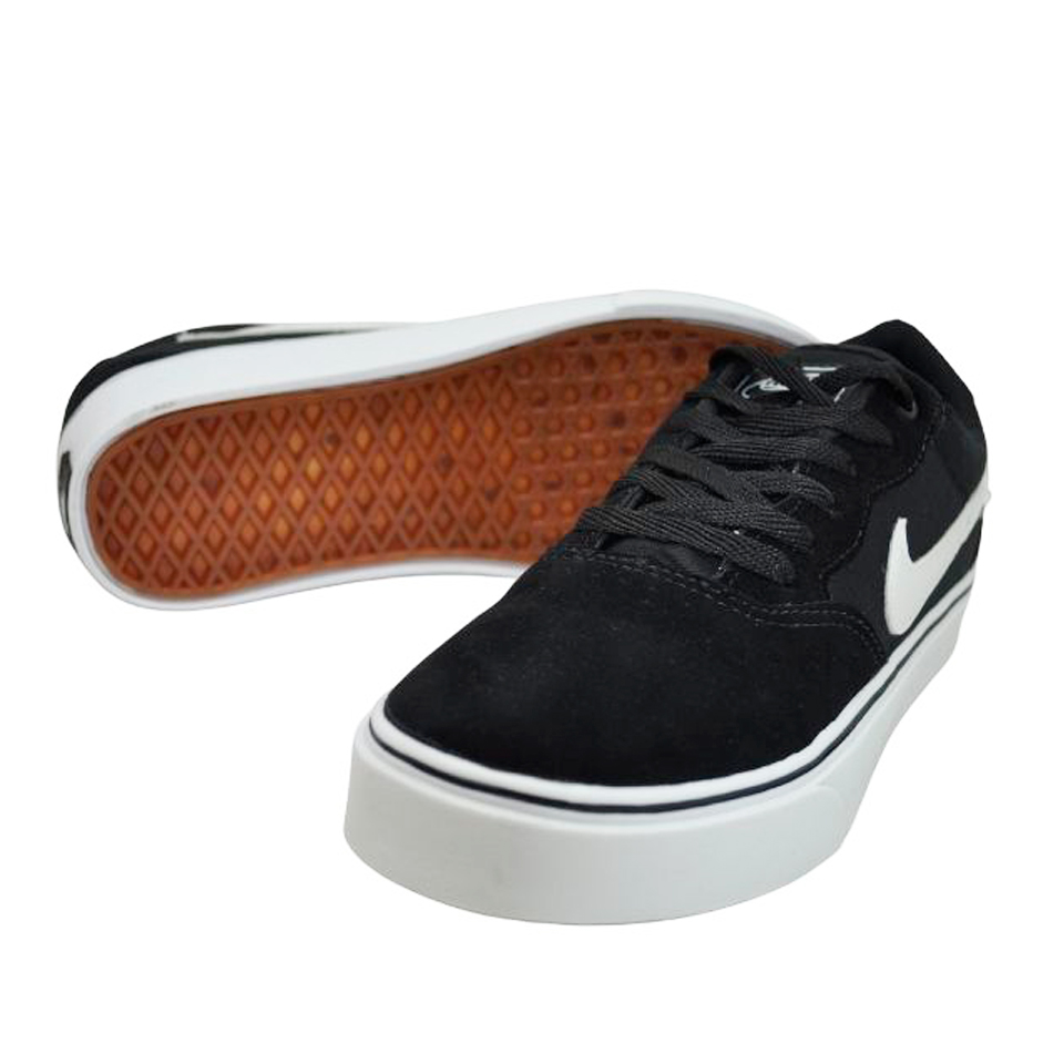 Tênis Nike Preto-Branco