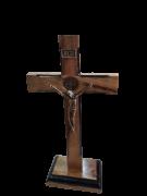 Crucifixo de madeira c/ pedestal