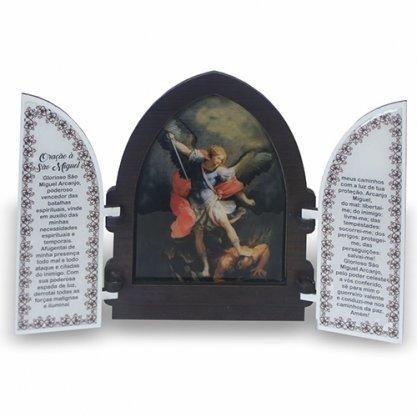 Capela com porta de São Miguel Arcanjo