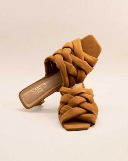 Sandália Salto Baixo Bico Quadrado Suede