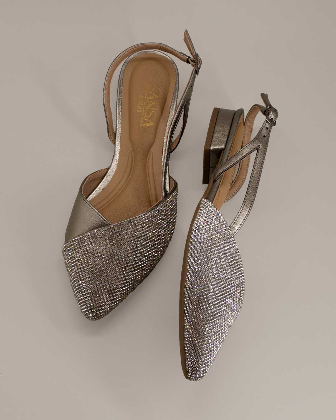 Sandália Bico Fino Com Saltinho Brilhante