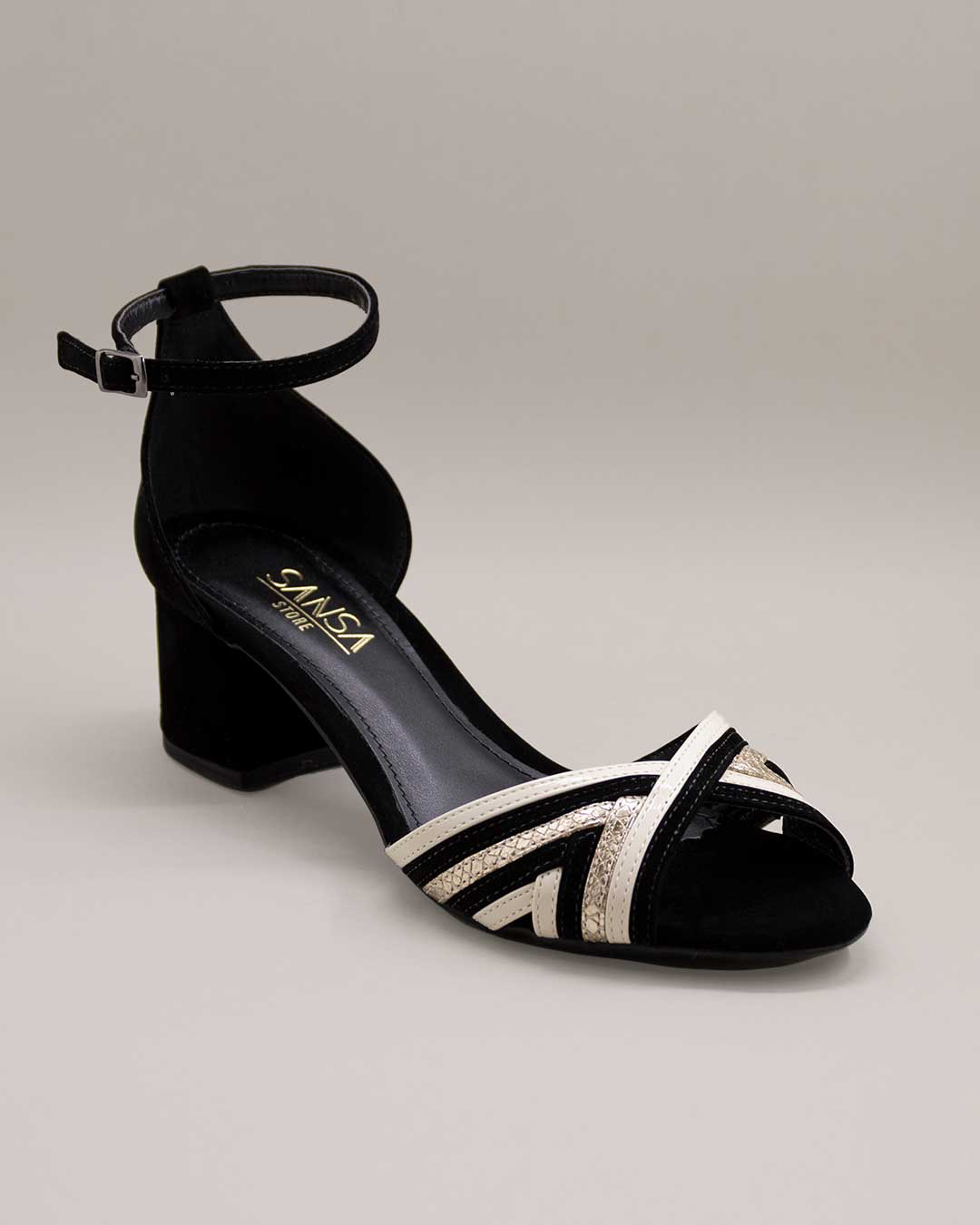 Sandália Salto Baixo Branca e Preta