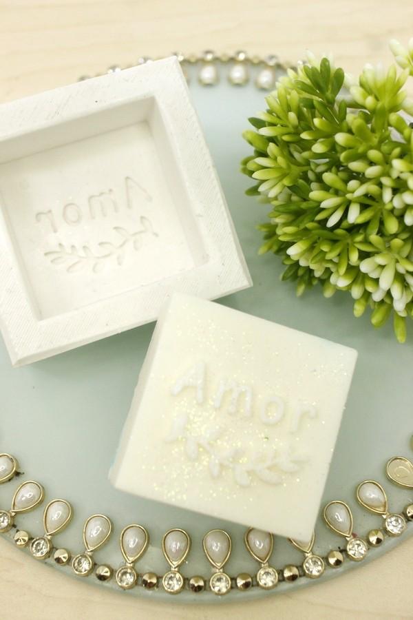 Molde Silicone sabonete Amor (folhas de louro)