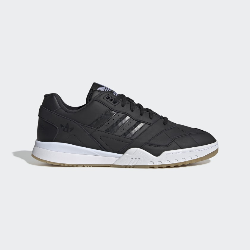 Tênis Adidas A.R. Trainer