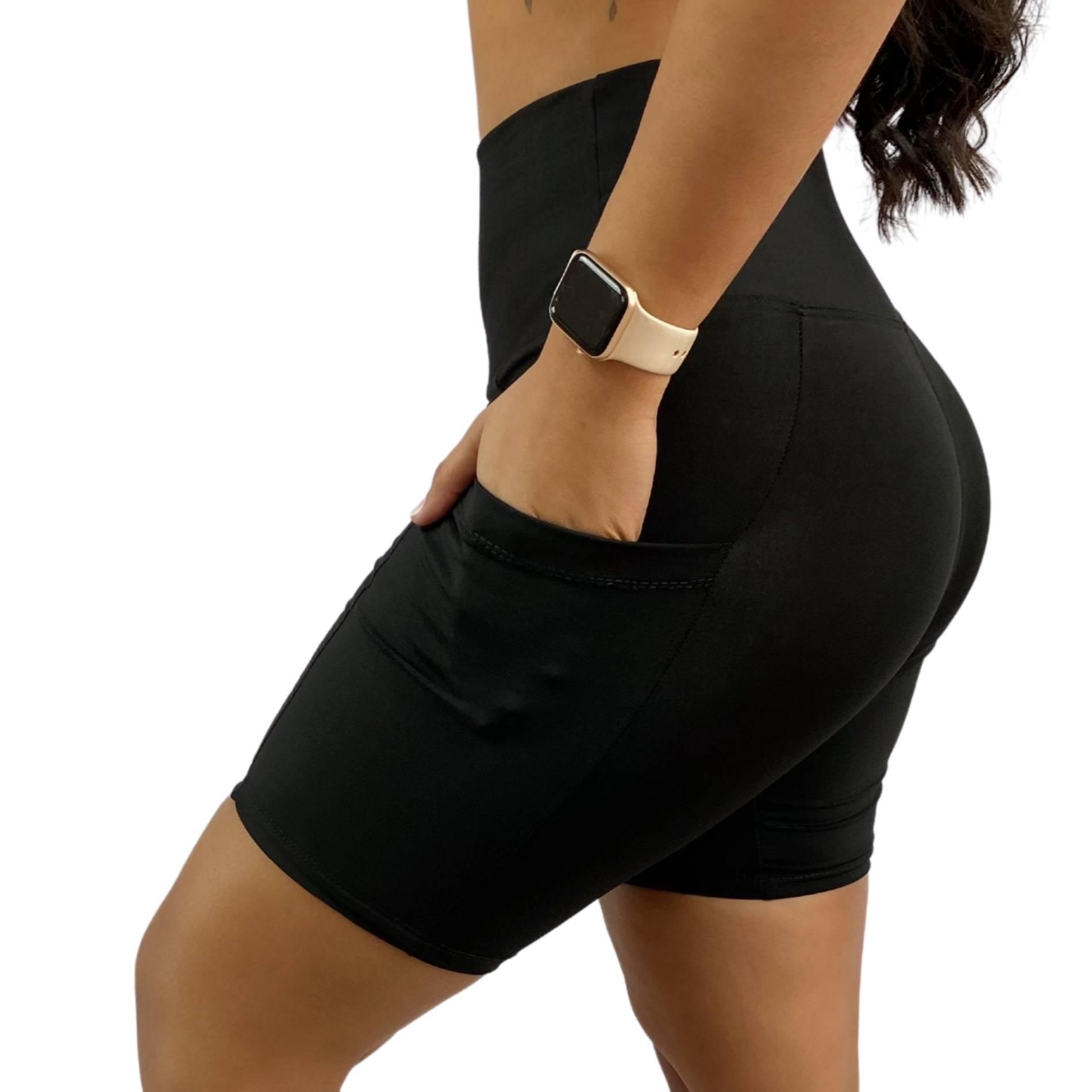 Bermuda Fitness Bolso Unilateral Recomeço Preta