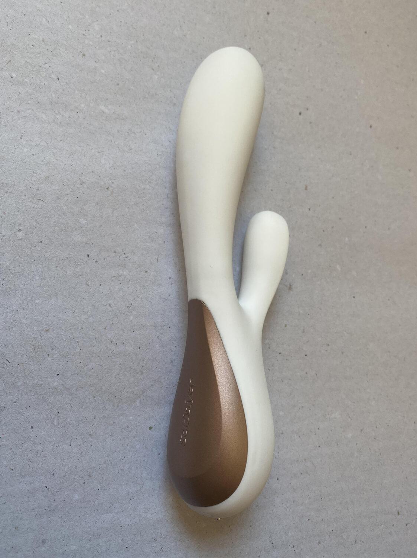 João, o Vibrador Rabbit da Satisfyer Controlada por Aplicativo à Distância - Mono Flex