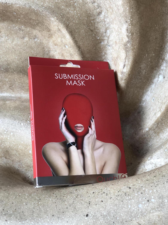 Máscara de Submissão Fechada Vermelha