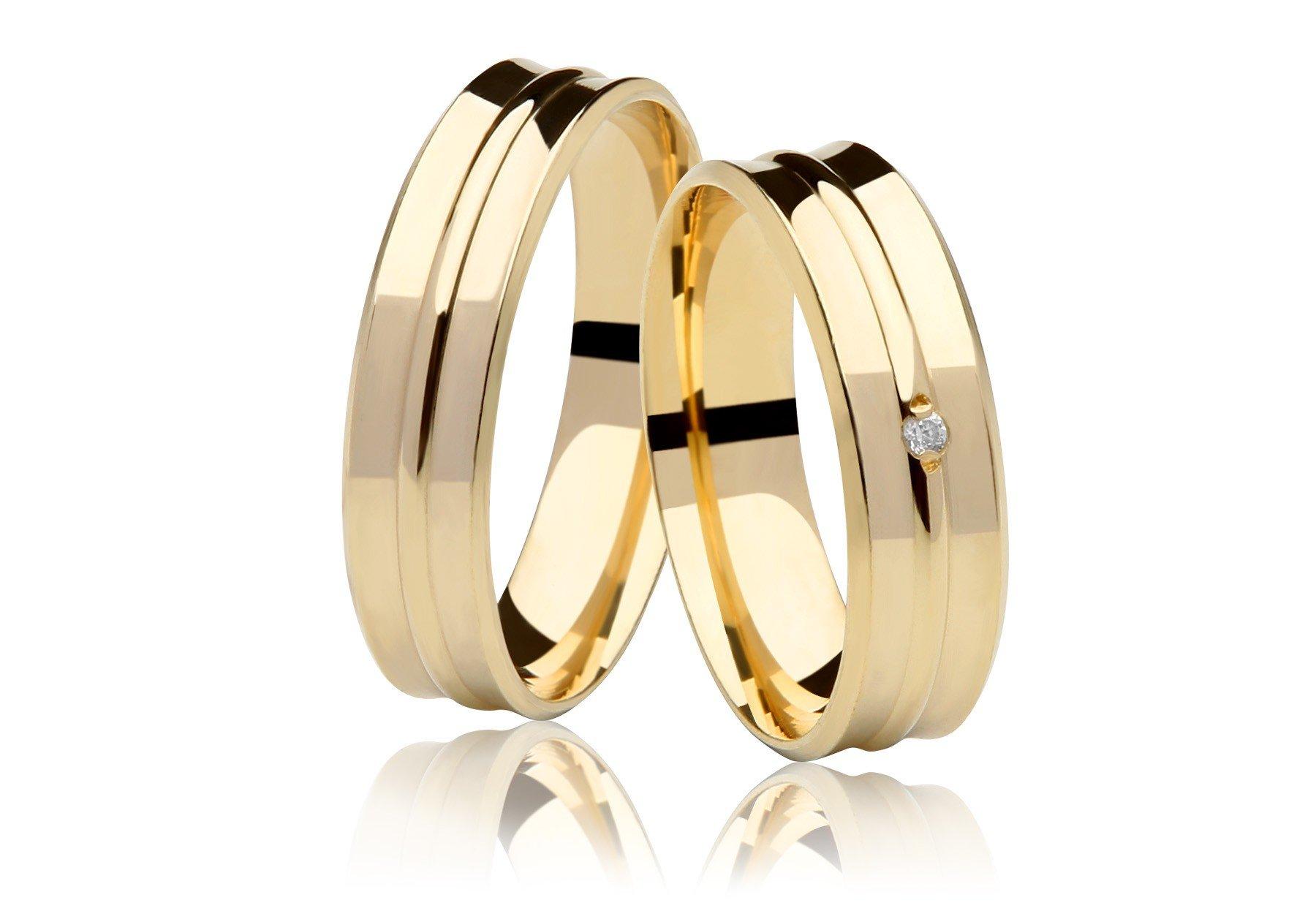 Aliança Côncava de Casamento em Ouro 18K  e 1,5 Pontos de Diamante (5.5mm)