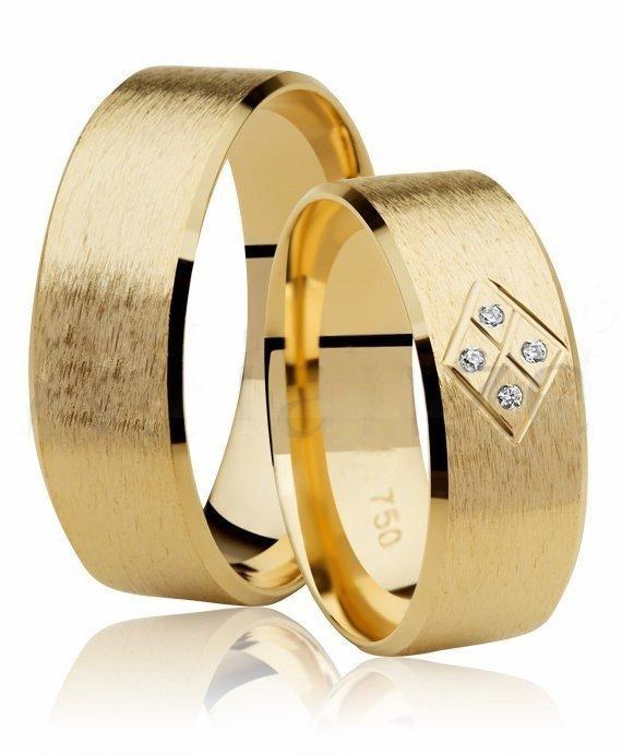 Aliança de Casamento Ouro 18k Fosca e 4 Pontos de Diamantes (6.80mm)