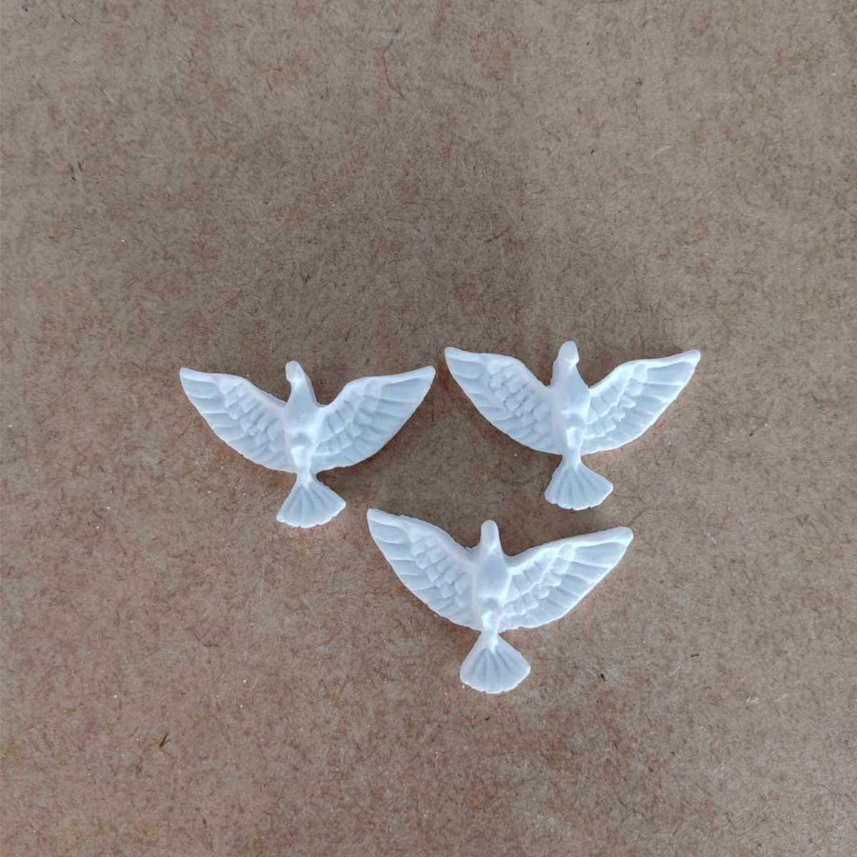 Aplique em Resina - Divino Espírito Santo Pequeno 4X3 c/ 3