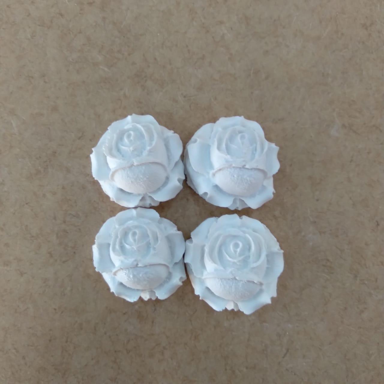 Aplique em Resina - Rosas kit com 4 peças
