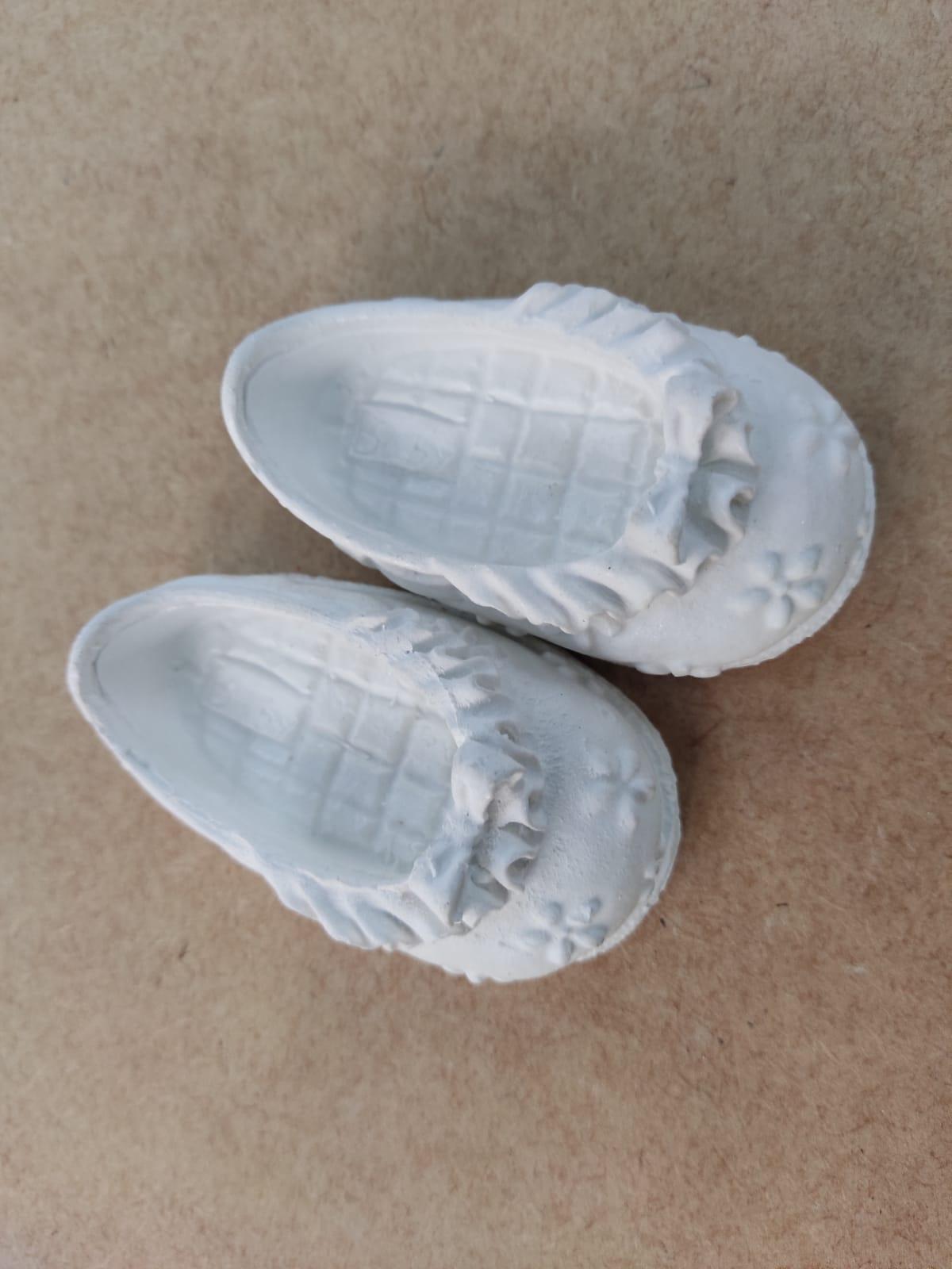 Aplique em Resina - Sapatinho de  Bebê Feminino 7,5x4