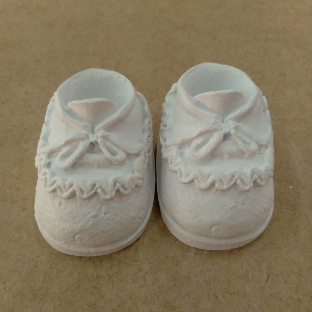 Aplique em Resina - Sapato de Bebê com Babado