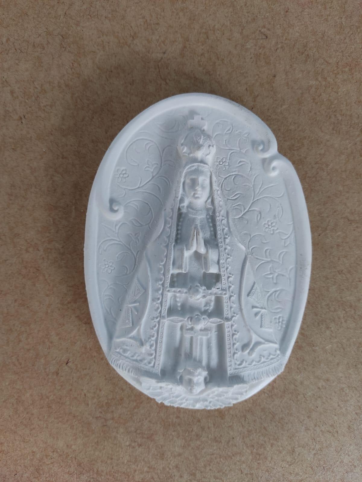 Aplique em Resina - Nossa Senhora - 10,5x8