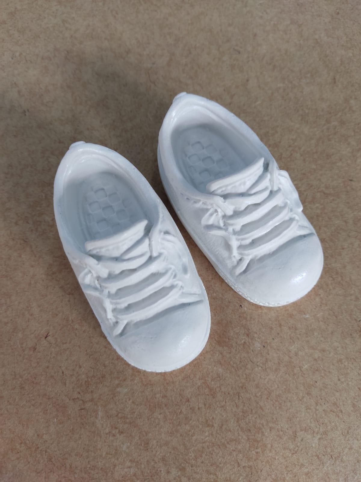 Aplique em Resina - Sapatinho de  Bebê Masculino 7,5x3,5