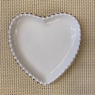 Prato Coração branco e dourado