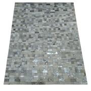 Tapete de Couro Quadriculado 1,45 x 1,90 Branco com Devorê prata