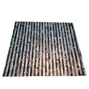 Tapete de Couro Quadriculado 1,45X2,07 Tons de Marrom e Branco