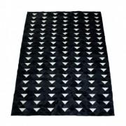 Tapete de Couro Quadriculado 1,50x2,00m Preto c/Triangulo branco