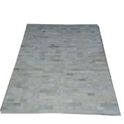 Tapete de Couro Quadriculado  1,55X2,05 Branco c/ Tons de Cinza