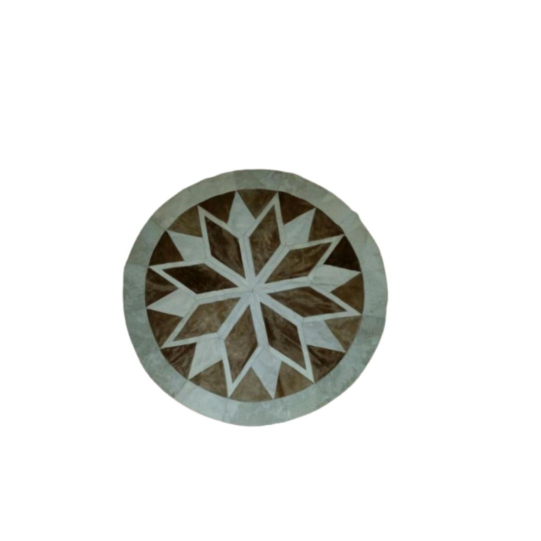 Tapete de Couro Mandala Marrom Claro e Branco 1,17 diam