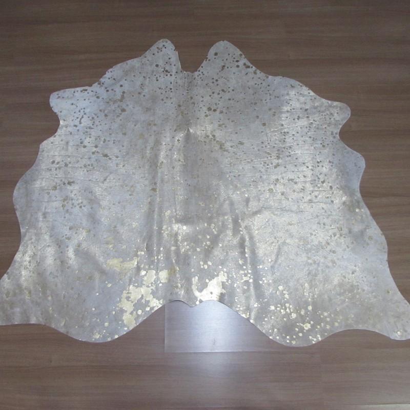 Tapete de Couro Natural  1,75x1,45m Prateado Devore Dourado