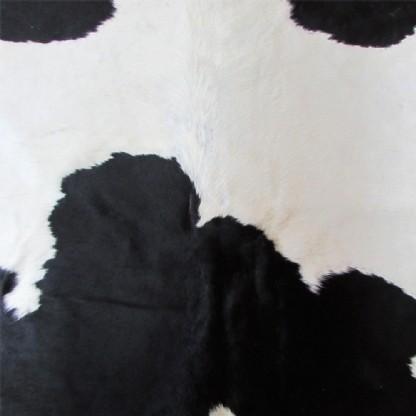 Tapete de Couro  Natural 1,90x1,70m  Preto e Branco