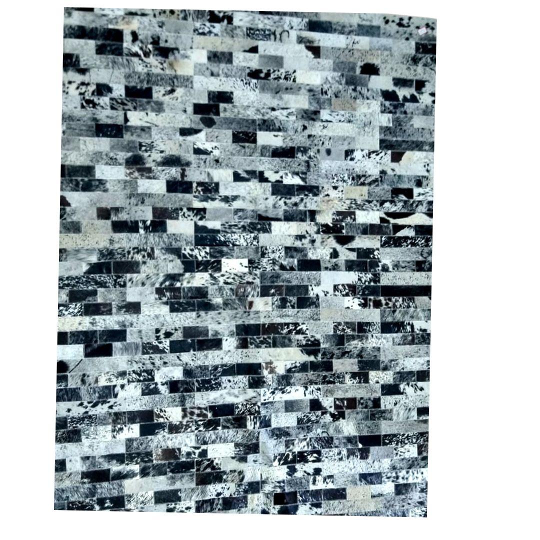 Tapete de Couro Quadriculado 1,50x1,90 Mesclado Preto e Branco