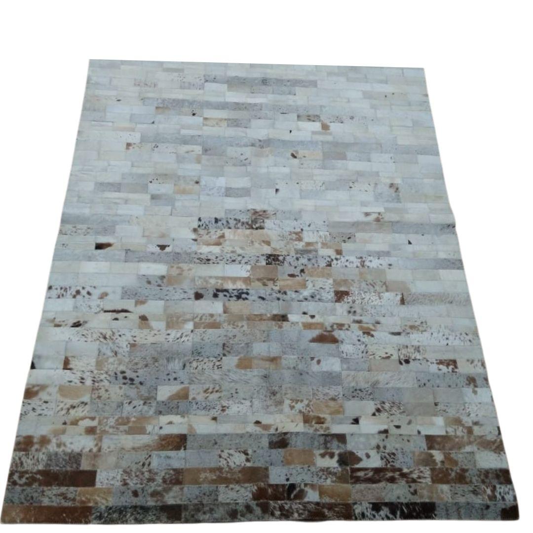 Tapete de Couro Quadriculado  1,50x1,95 Tons de Branco e Marrom