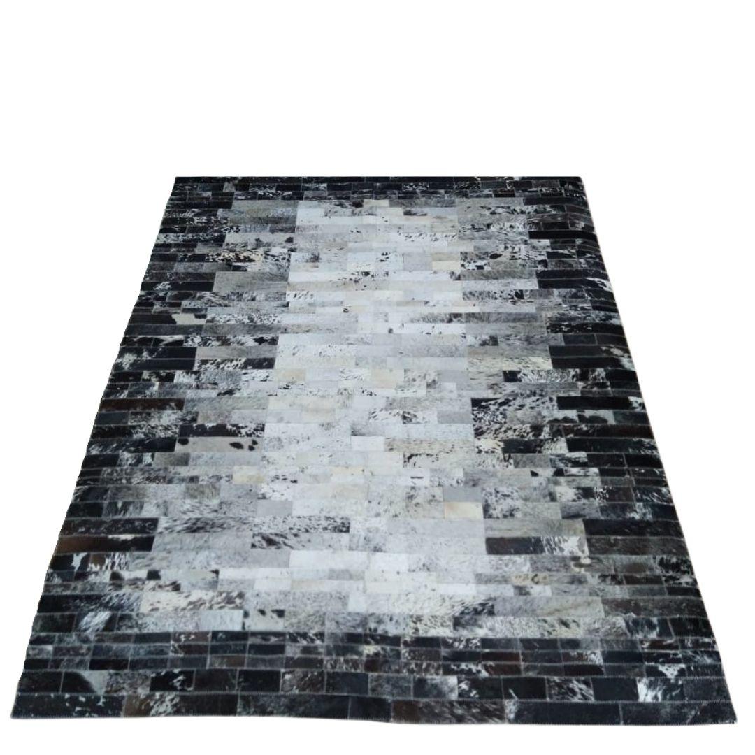 Tapete de Couro Quadriculado 1,58X2,00 Mesclado Preto e Branco