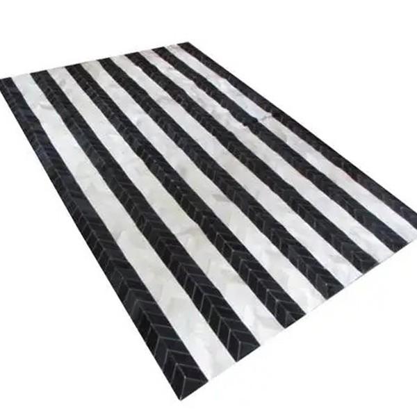 Tapete de Couro Quadriculado 1,90x2,90m Preto e Branco