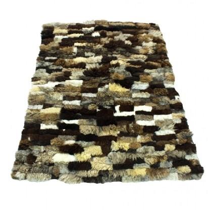 Tapete de Pele de Carneiro(Ovelha) com Lã Natural Aprox. 1,25x1,60m Tons de Marrom