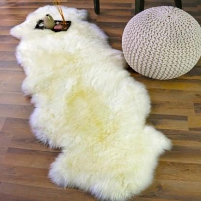 Tapete de Pele de Carneiro(Ovelha) com Lã Natural costurado 2 peles Aprox. 0,58x1,80m Natural