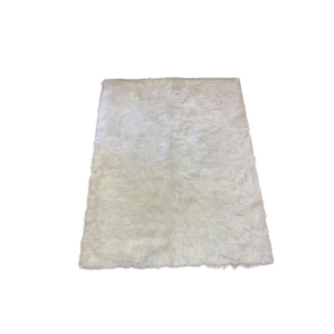 Tapete Importado Sintetico 1,55X1,90m Branco
