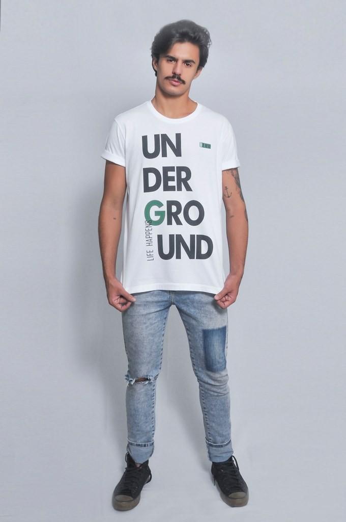 Camiseta Masculina Life Happens Underground