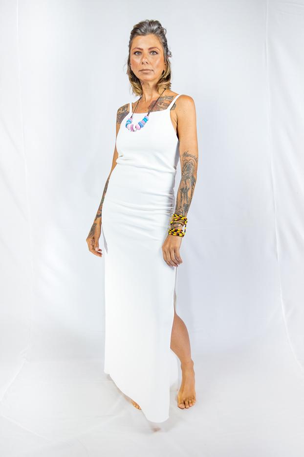Vestido longo com alças finas e fenda lateral - LAGOS