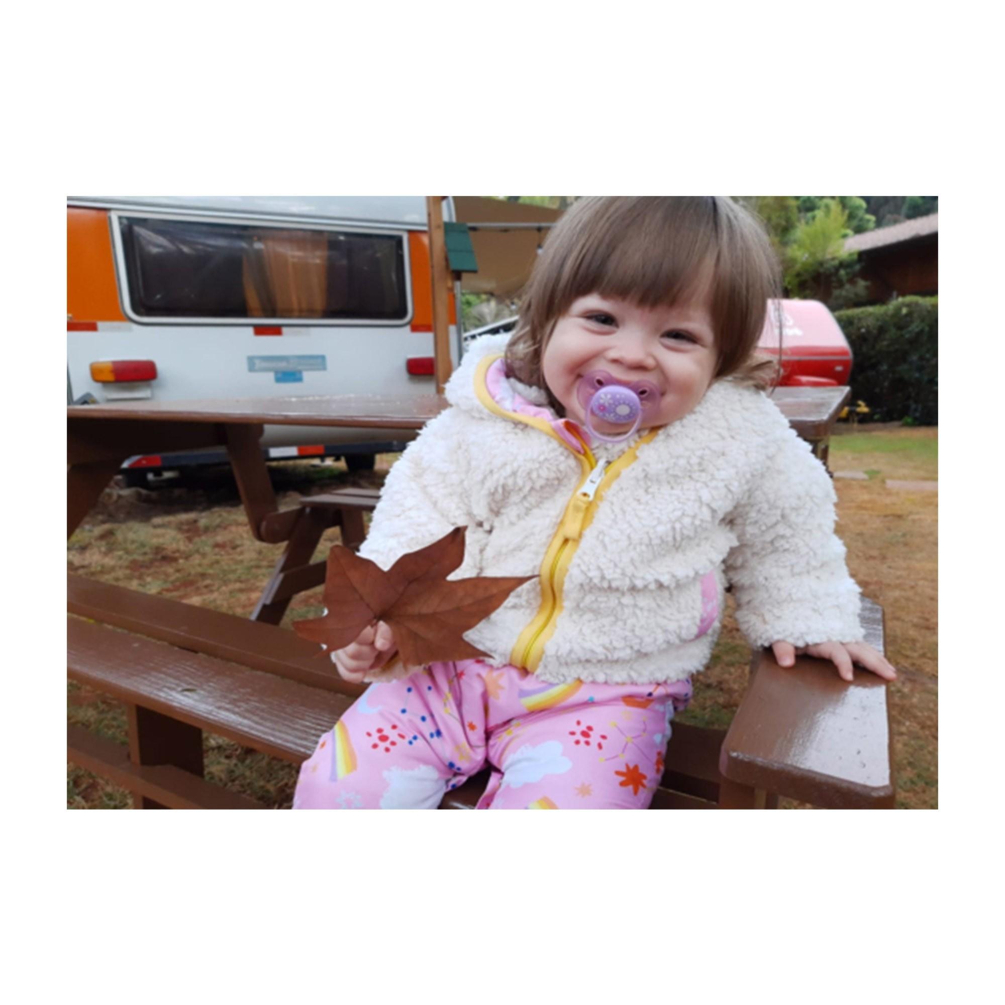 CONJUNTO INTERESTELAR BABY: MACACÃO REGATA COM REGULAGEM + JAQUETA REVERSÍVEL