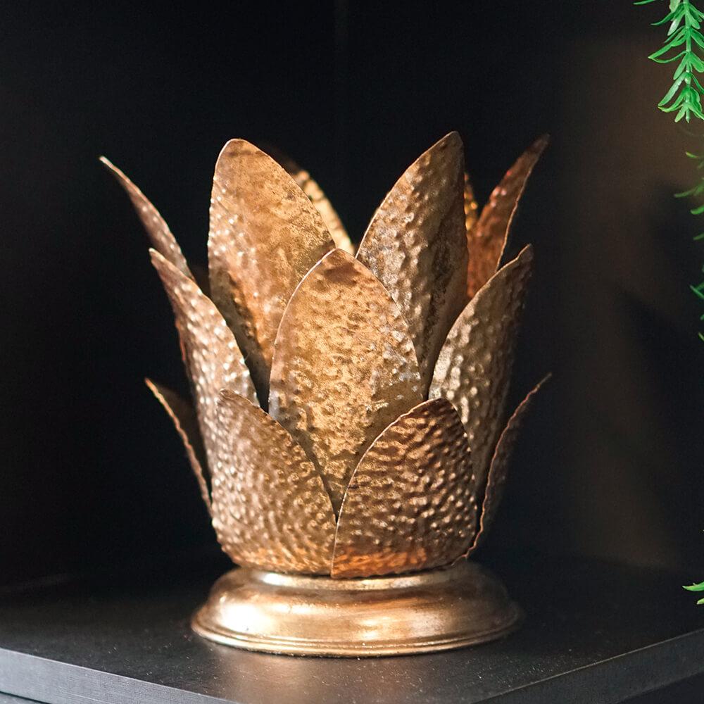 Estatueta Flor de Metal Dourada Bromelis 20 Cm