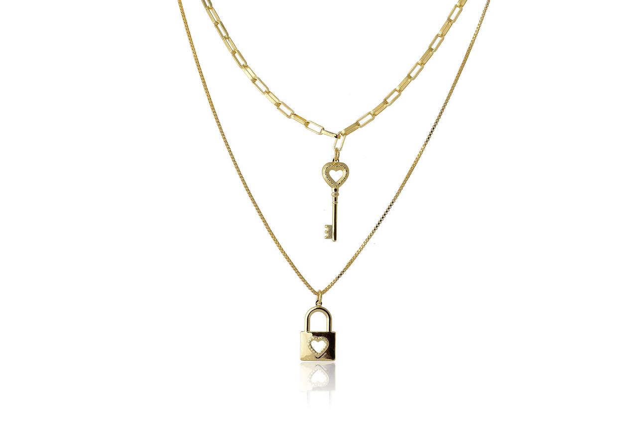 Colar Duplo com Corrente Cartier e Pingente de Chave Folheado em Ouro 18k