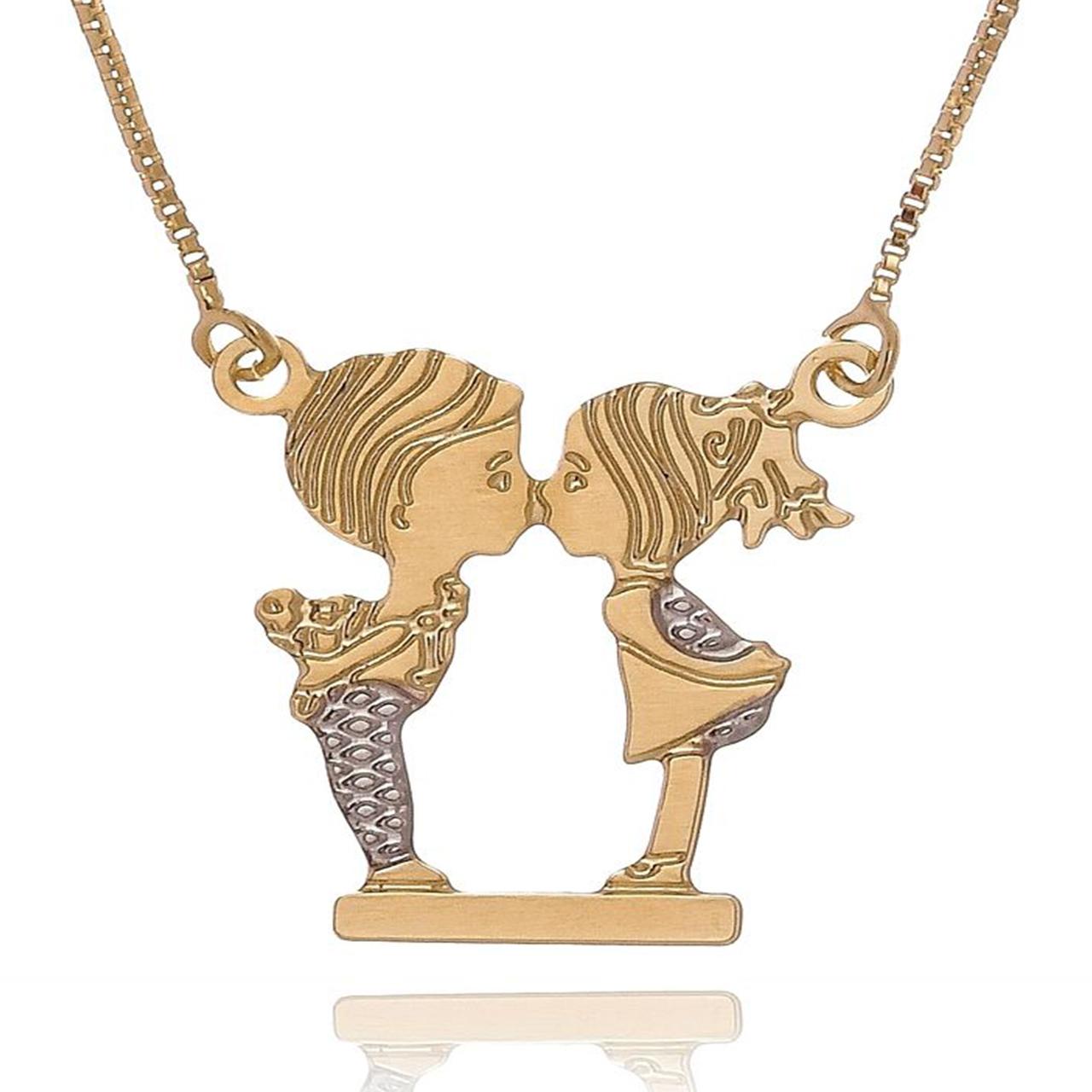Colar Personalizado Bonequinhos se Beijando com Detalhes em Rodium e Folheado em Ouro 18K