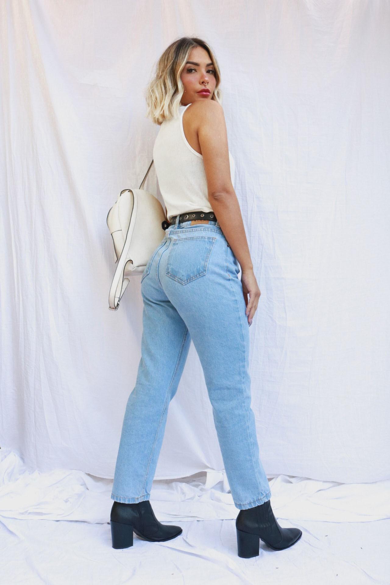 Mom Jeans Julia | Lavagem Clara