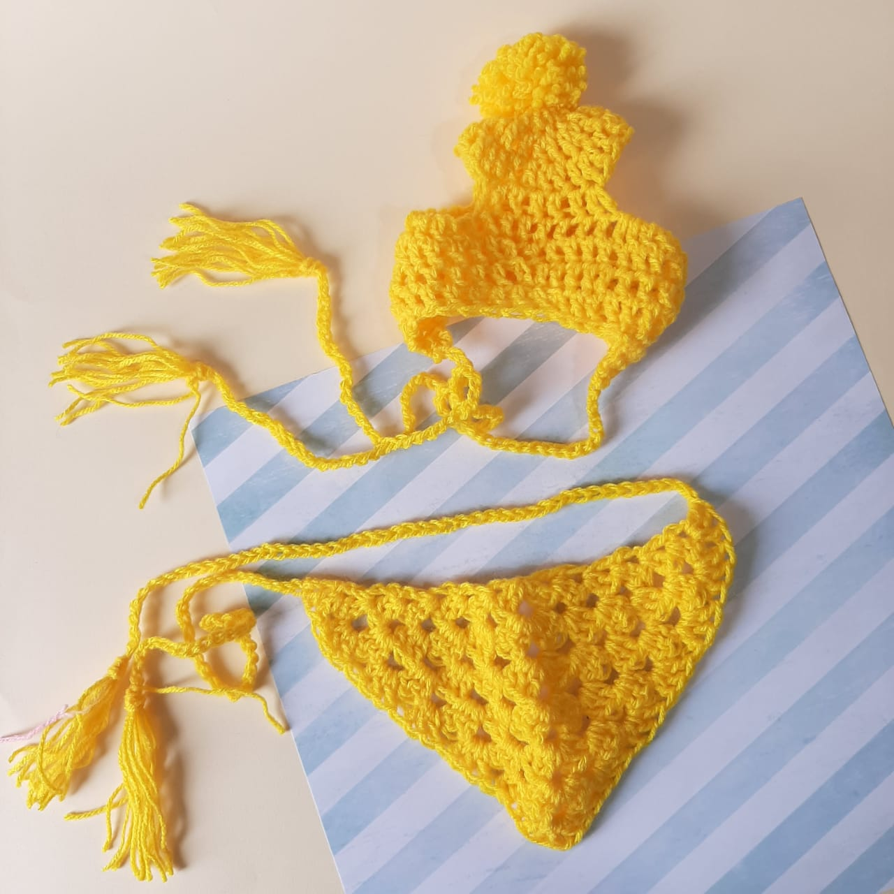 Bandana de tricô Amarela