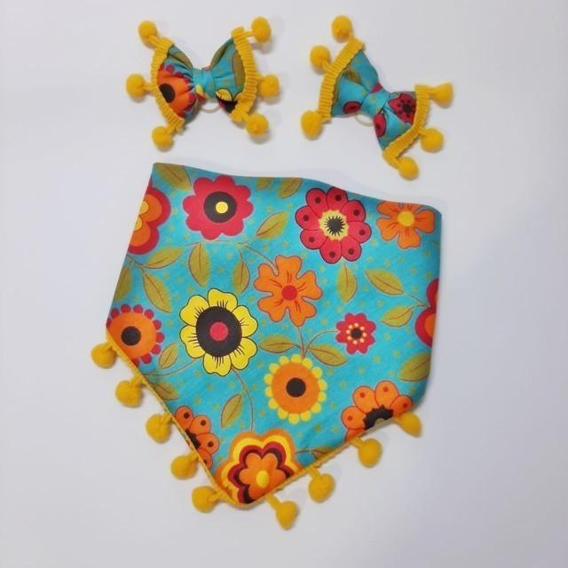 Kit Bandana Flores com Pompom + Lacinhos