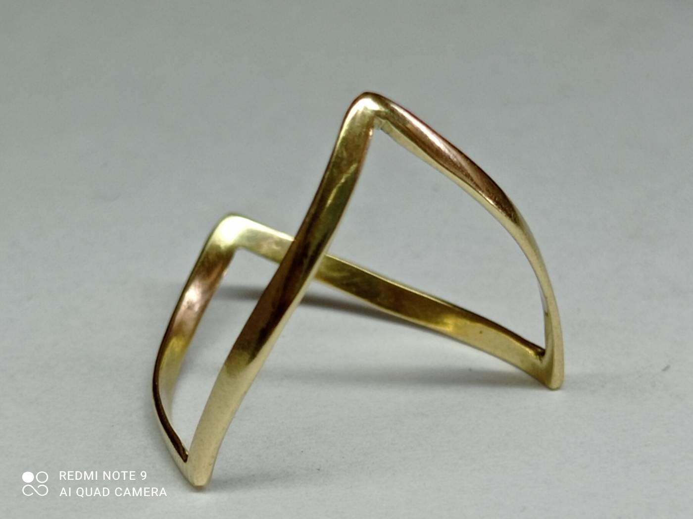 Anel aparador 128 triangular
