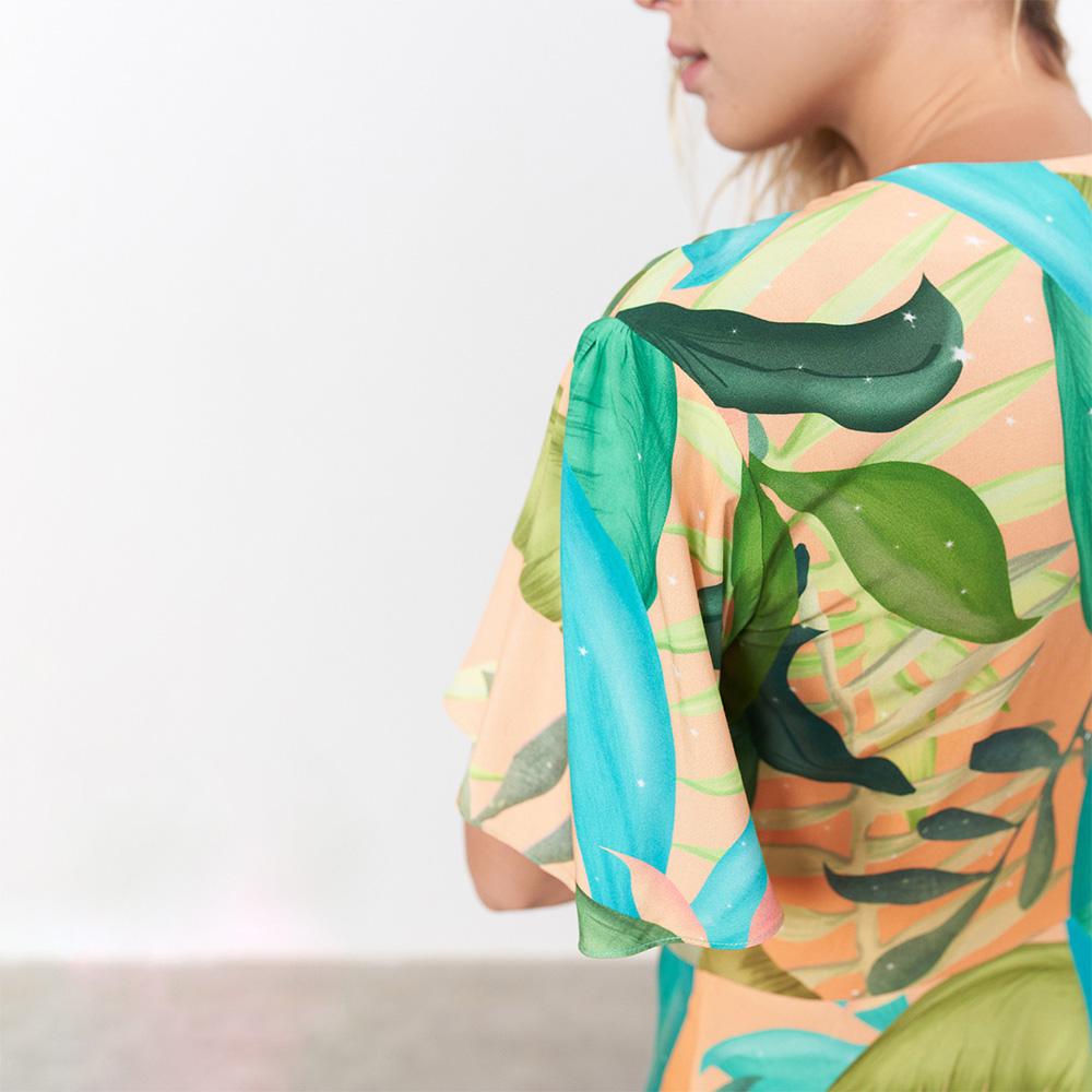 Vestido Curto Babado Bico de Tucano