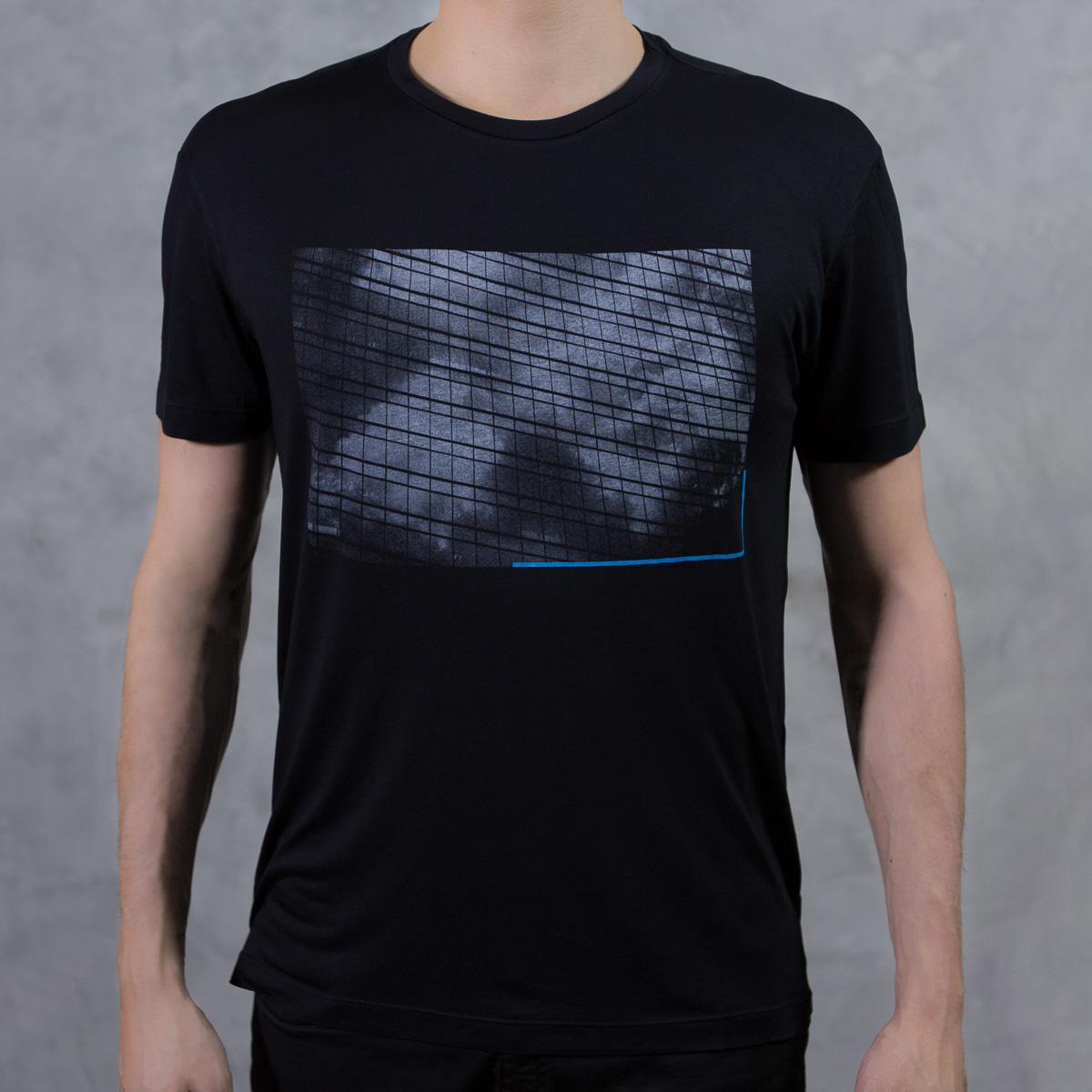 Camiseta Confort Nuvens Preta